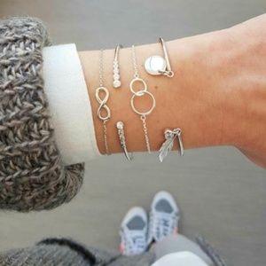 'Infinity' Bangle Bracelet Set (Silver)